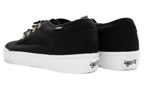 Chaussures Vans Vault Sierra 106 LX - black-purple collection 2010