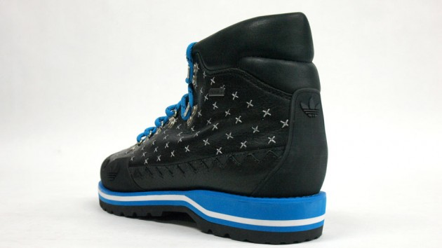 adidas HIKE BOOT BLacK BLUe 2010