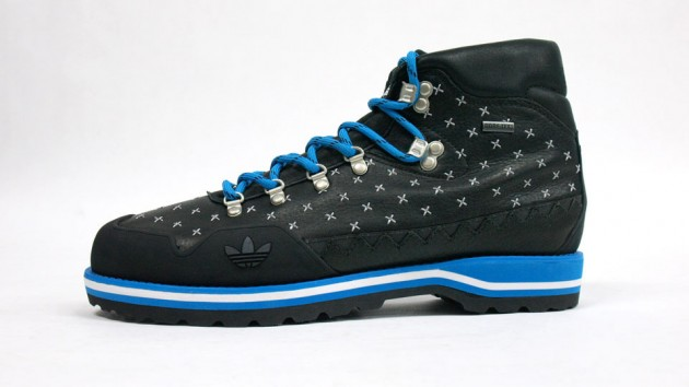 adidas HIKE BOOT BLacK-BLUe-collection-2010
