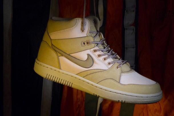 Stussy x Nike Sky Force 88 Mid TZ-Gris-Beige