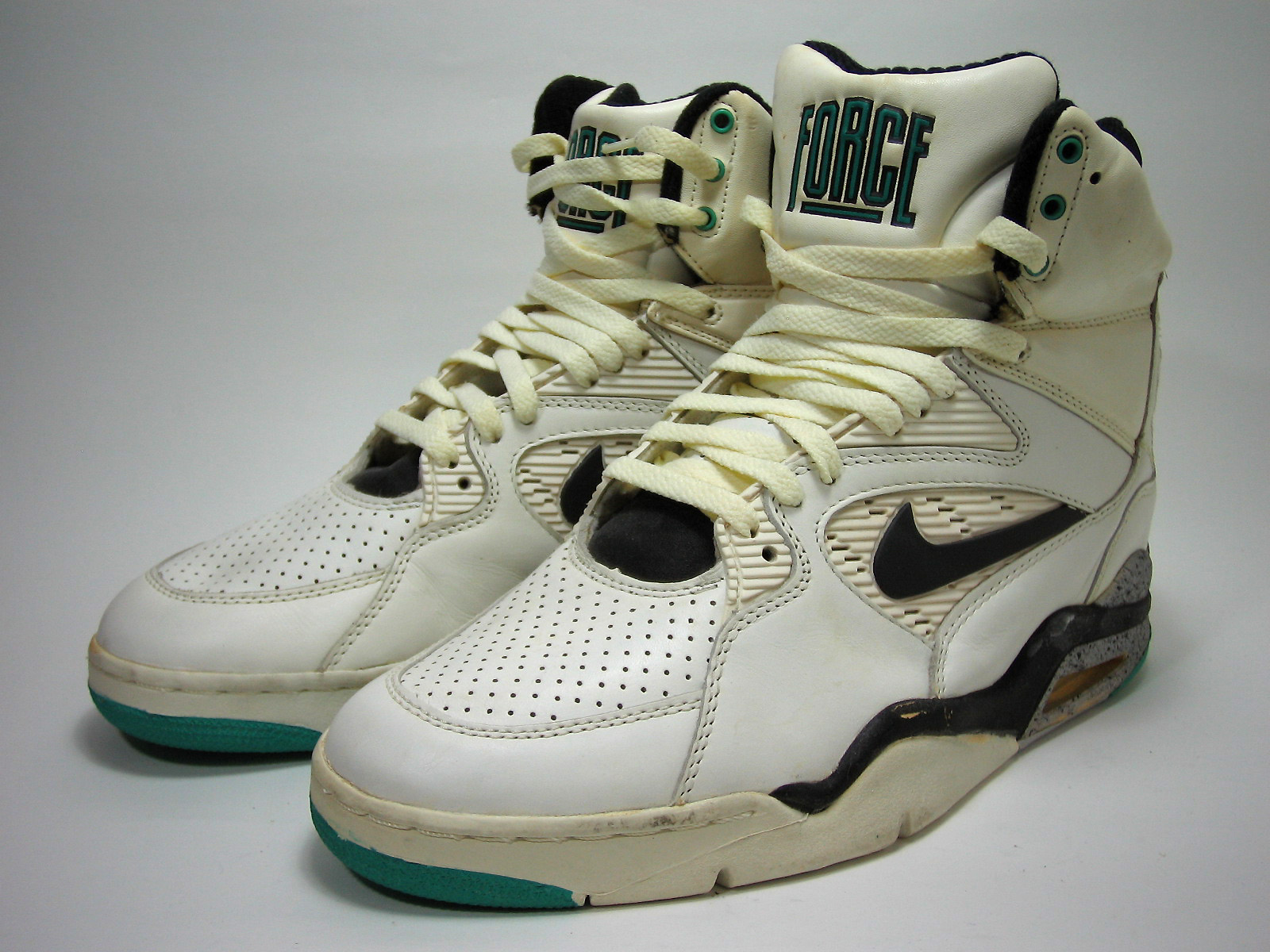 Nike Air Command Force (1990)