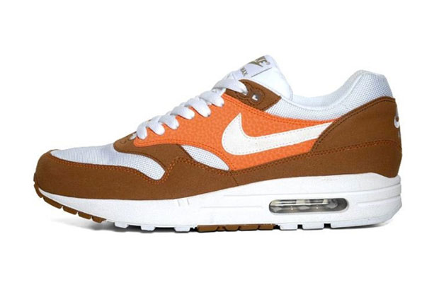 Nike Air Max 1 Hazelnut/White Safety Orange Khaki