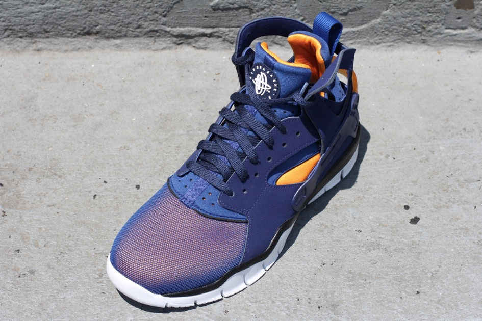 Nike Air Huarache BBall 2012 (Loyal Blue/Vivid Orange)-1